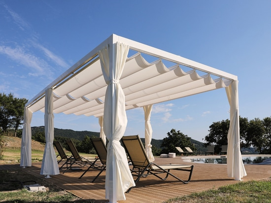 KHEOPE SAILS and SAKI by KE renovate the terrace of Agriturismo La Meridiana in Montieri