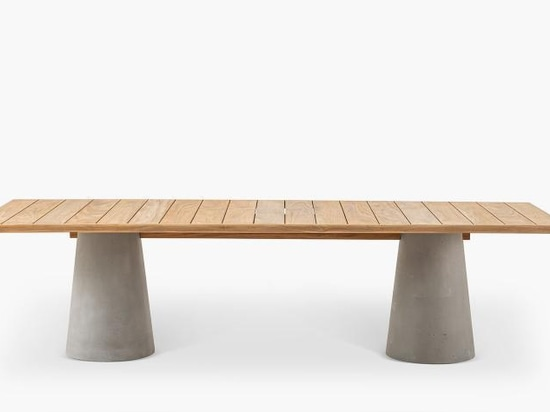 Dine Out by Rodolfo Dordoni for Cassina