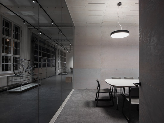 WALL.BOX Offices / NAICE architecture & design