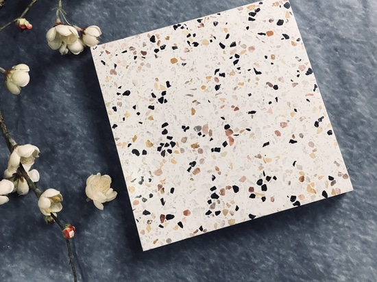 Gorgeous blossom in tile