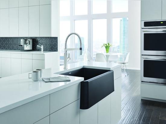 "IKON® 33"" Apron Front Sink with SOLENTA™ Senso Semi-Professional Faucet"
