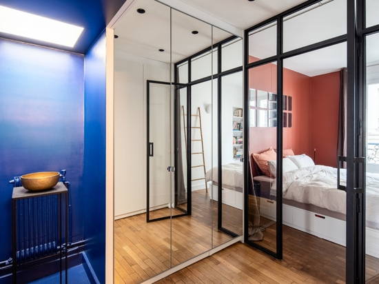 Composing a Modern Style within the Confines of an Old Pigalle Flat