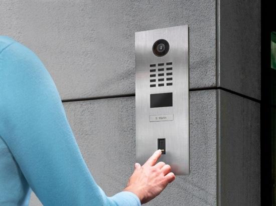 The DoorBird D2101FV EKEY IP video intercom enables access control via fingerprint