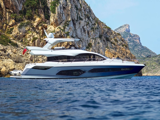 Style and impeccable attention to detail, with exceptional performance: Taormina by Ritmonio for the new Manhattan 68 yacht by Sunseeker.