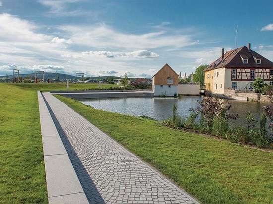 Planorama manipulated the Wörnitz river so it no longer flows through the old town mill.