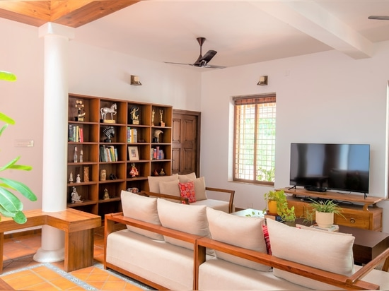 This riverfront villa in Kerala it is pavimented with our Classic Rodamanto