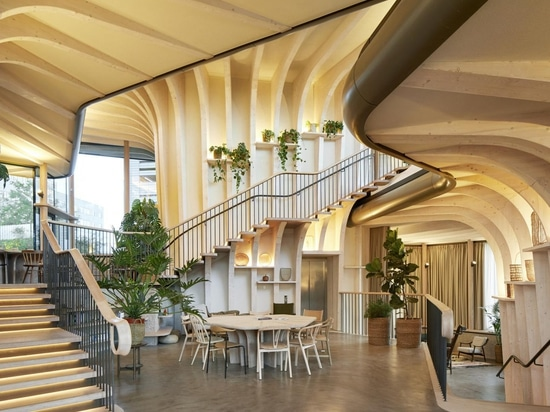 Heatherwick Studio completes its first Maggie's Centre