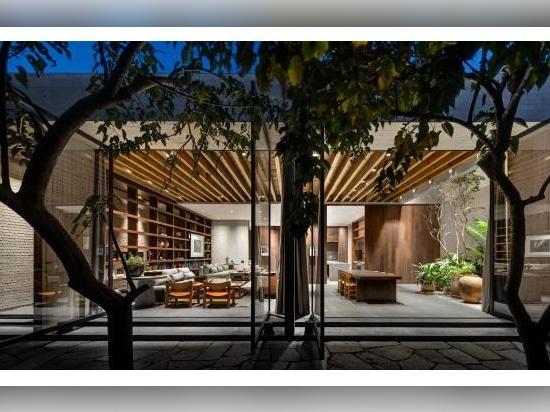 Architect Manuel Cervantes invites us into his live/work headquarters