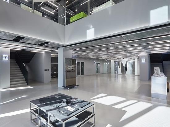 1MILLION Dance Studio, Designed to Host Street Dance and Academic Styles