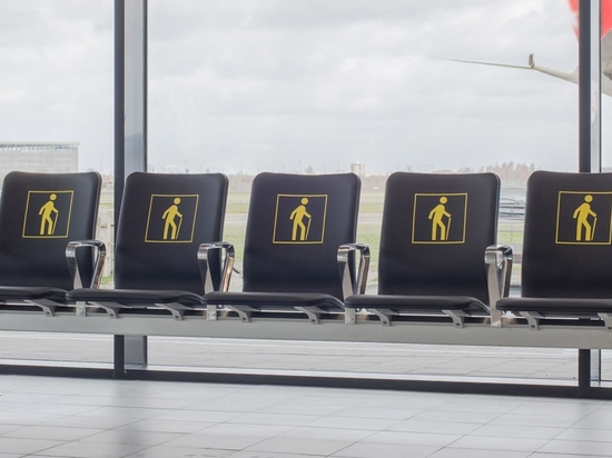 """Richard Hutten melts down airport's old chairs for """"radical"""" new seating system"""