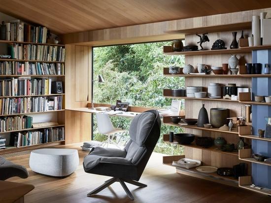 Architect John Wardle renovates his own house in Australia