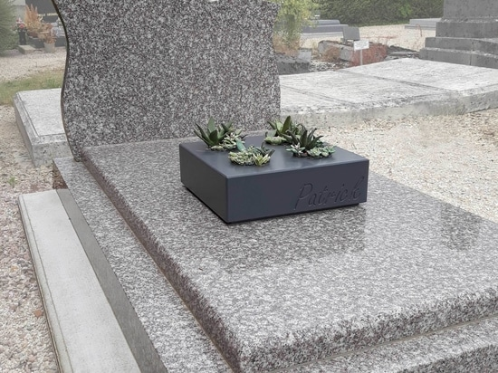 Bespoke engraved  planters to decorate graves