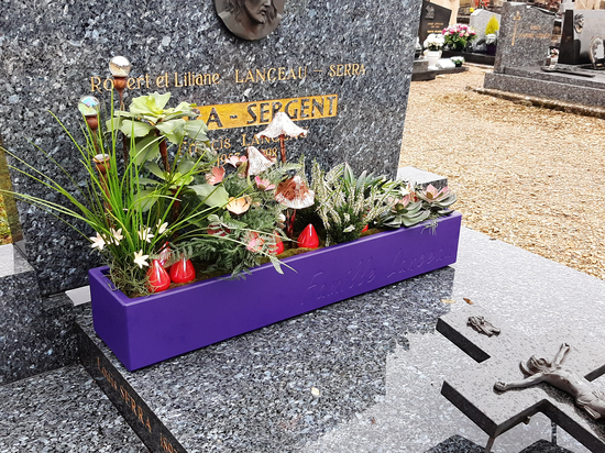 Durable and personalized planters to decorate graves