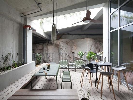 Liuxiandong-Plot A4+B2 of Vanke Design Community / FCHA