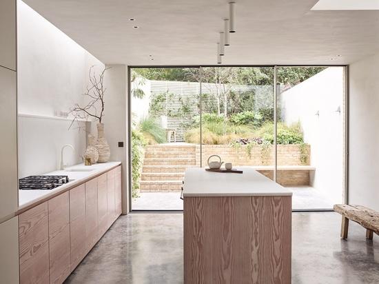 Kitchen, Powerscroft road project. Courtesy of daytrip studio.