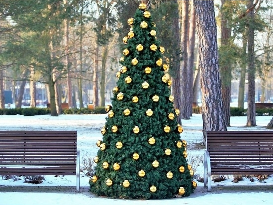 christmas covers for flower towers - terrachristmas
