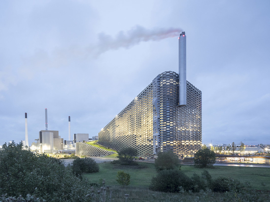 "Copenhill: A ""BIG"" Power Plant in Denmark"