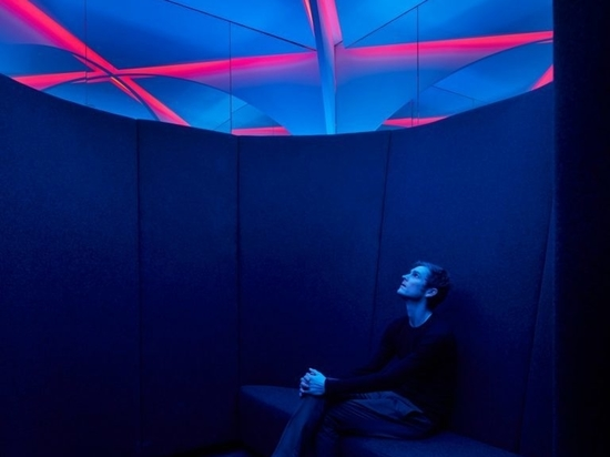 The chambers designed by Office of Things allow workers to sit in peace and quiet