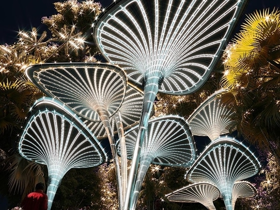 Palm leaf canopies form 'oasys' outdoor refuge within Abu Dhabi urban fabric