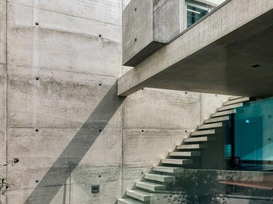 Villa 22 by Dreessen Willemse Architecten