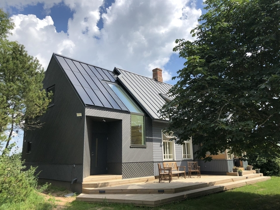 Q&A: Europe's Version of Tesla, the New Clickable Solar Roof by Roofit.solar
