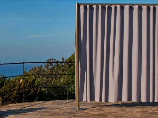 Completely Green Curtain: Re_Life Blind by Medit