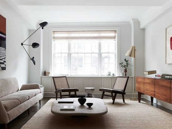 Sandra Weingort Revamps an Art-Filled Apartment in New York City with Mid-Century Eclecticism