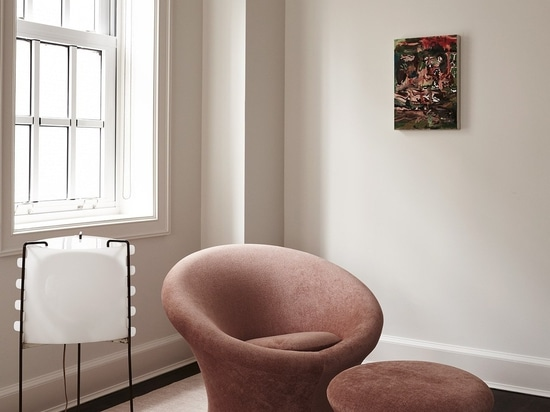 Featured: Lounge Chair & Ottoman by Pierre Paulin circa 1960 from Demisch Danant; Floor Lamp by Joseph-André Motte circa 1958 from Demisch Danant; Artwork by Cecily Brown from Maccarone Gallery.