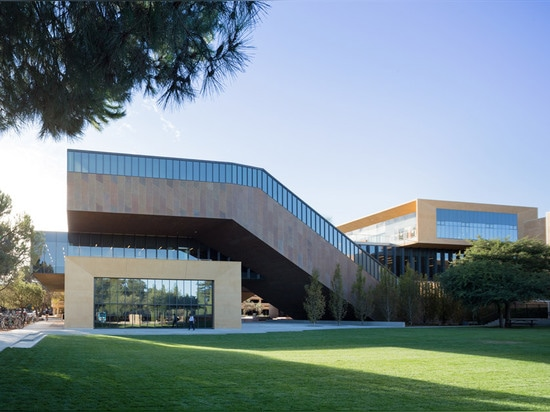 Diller Scofidio + Renfro completes new art department building for Stanford University