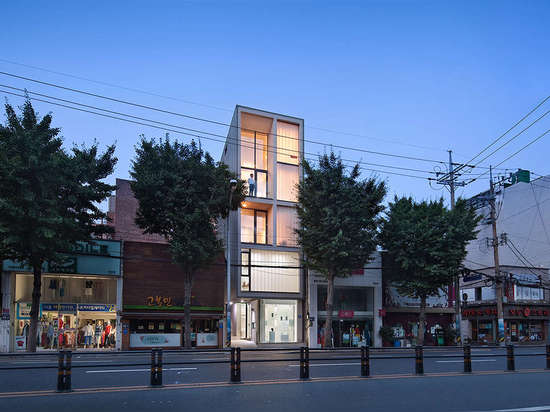 [5X17] Daecheong-dong Small House by JMY architects, Busan, South Korea