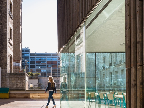 floor to ceiling glazing provides a seamless connection with external space