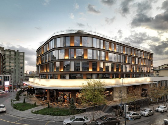 MuuM-designed office building is a quiet oasis in the heart of bustling Istanbul