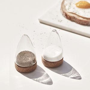 吹きガラス製塩と胡椒入れ / コルク製