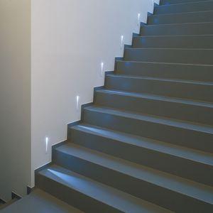 壁埋込形照明器具