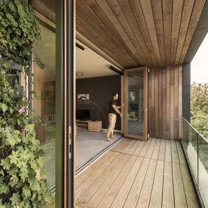 二つに折りサッシ / アルミ製 / 木製 / 複層ガラス