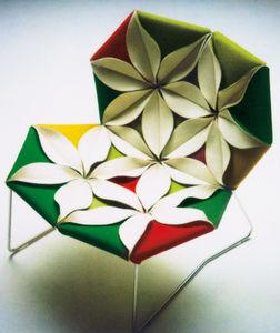 オリジナルなデザインの安楽椅子