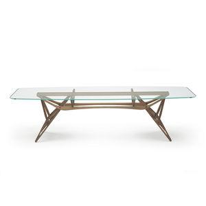 オリジナルなデザインのテーブル