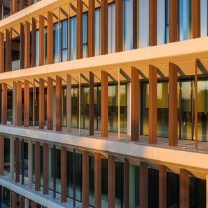 木材・プラスチック複合材日射遮蔽