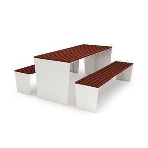 コンテンポラリーピクニック用テーブル