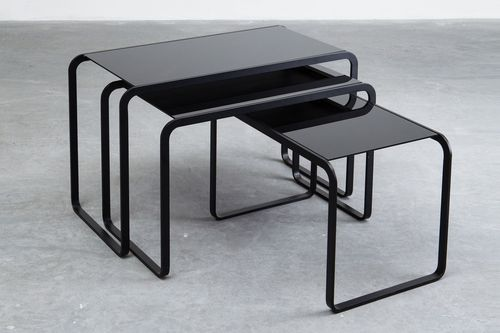 コンテンポラリーネストテーブル