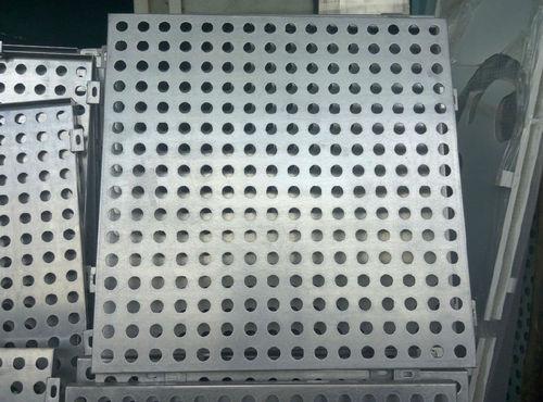 穴あきシ-トメタル / アルミニウム製 / 建物の正面用