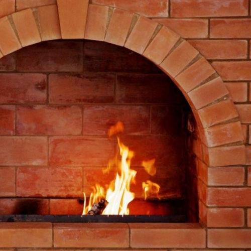 耐火性煉瓦
