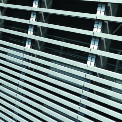 アルミニウム日射遮蔽 / 建物の正面用 / 縦型