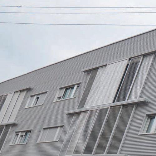 スイング式シャッタ- / スライド式 / 折たたみ式 / 固定