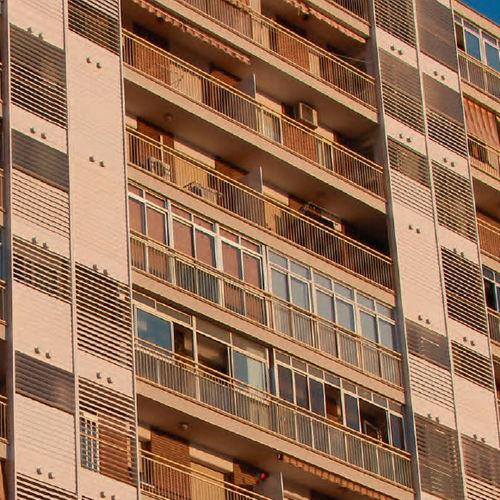 スチール製日射遮蔽 / PVC / 建物の正面用 / 縦型