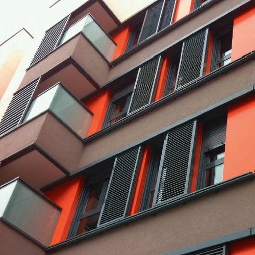 押し出しアルミニウム製日射遮蔽 / 建物の正面用 / 縦型