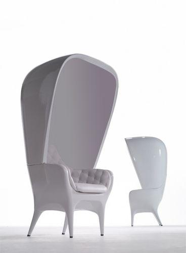 コンテンポラリーアームチェア / ポリエチレン製 / レザー / 高背もたれ付