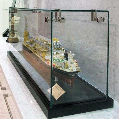 コンテンポラリー展示ケース / カウンタートップ / ガラス製 / 業務用