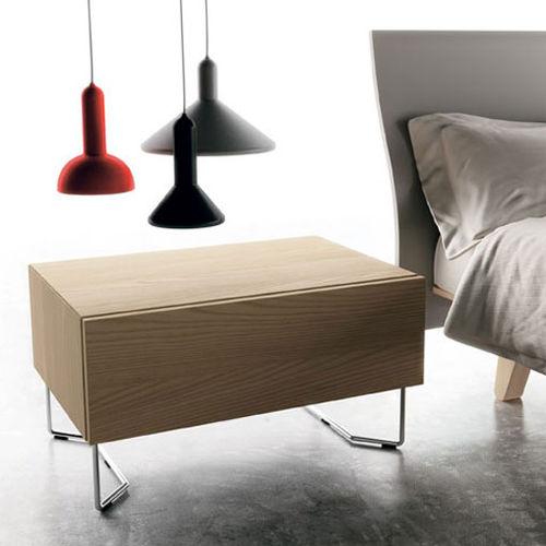 コンテンポラリーベッドサイドテーブル