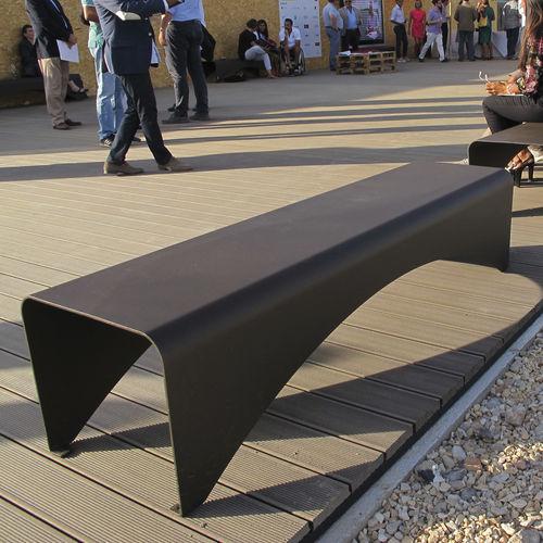 公共ベンチ / コンテンポラリー / 亜鉛めっき鋼製